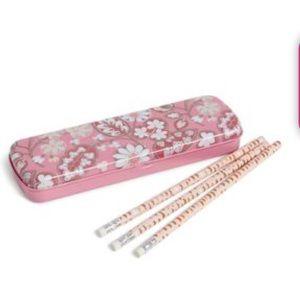 New Vera Bradley Pencil Set with Tin - Blush Pink